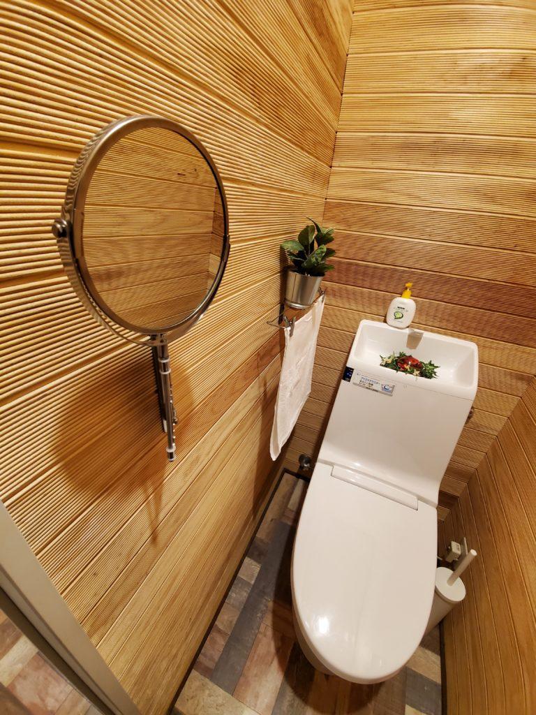 壁紙さようなら リフォームでトイレを木の箱にしてしまえ Natural