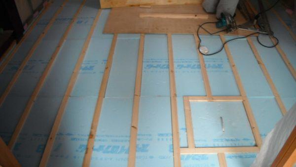 断熱工事 断熱材 内装リフォーム 床 フローリング 費用